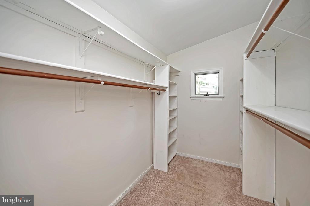 Fabulous walk-in closet - 110 CUMBERLAND CIR, LOCUST GROVE