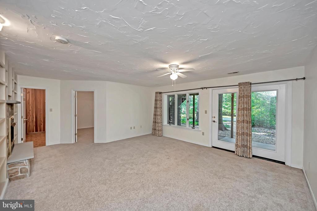 Water access is just outside the french door - 110 CUMBERLAND CIR, LOCUST GROVE
