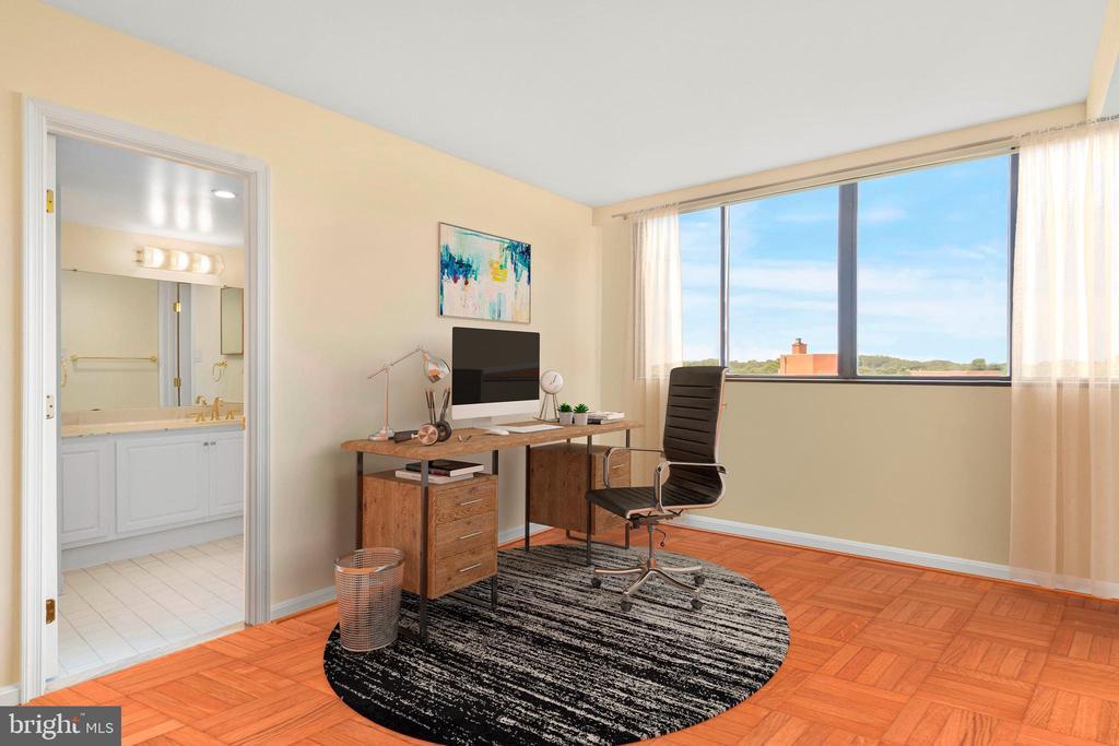 Bedroom 3 with en-suite bathroom - 1101 S ARLINGTON RIDGE RD #602, ARLINGTON