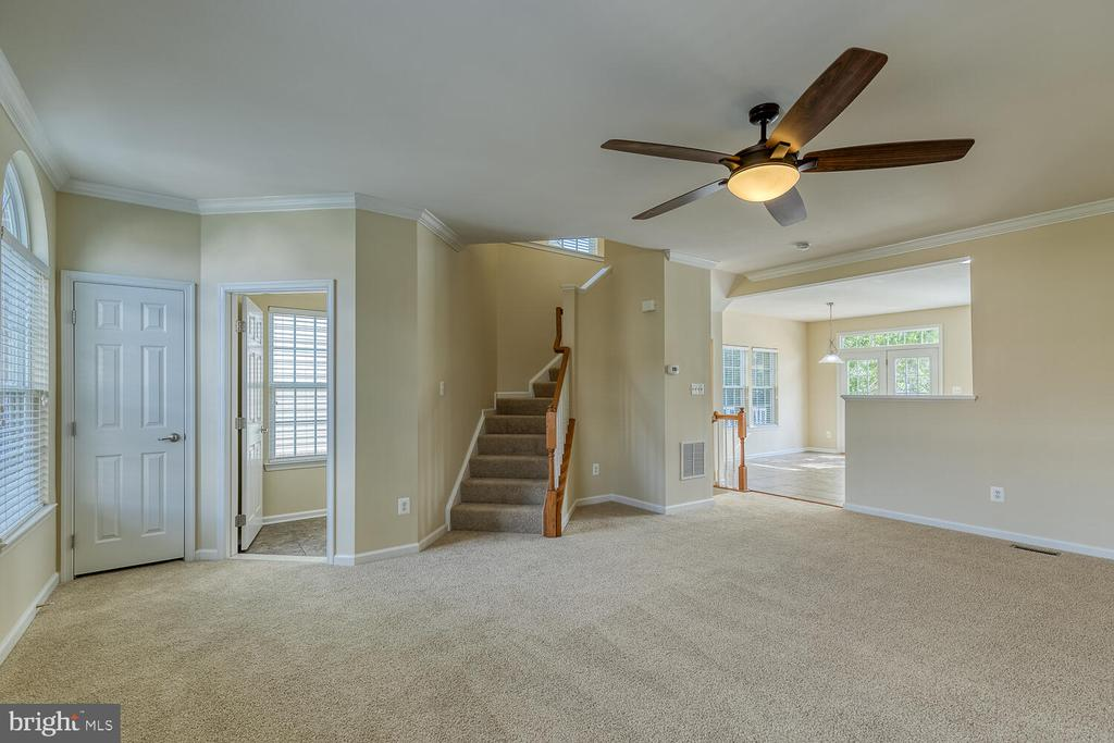 View of main level from family room - 2285 MERSEYSIDE DR, WOODBRIDGE