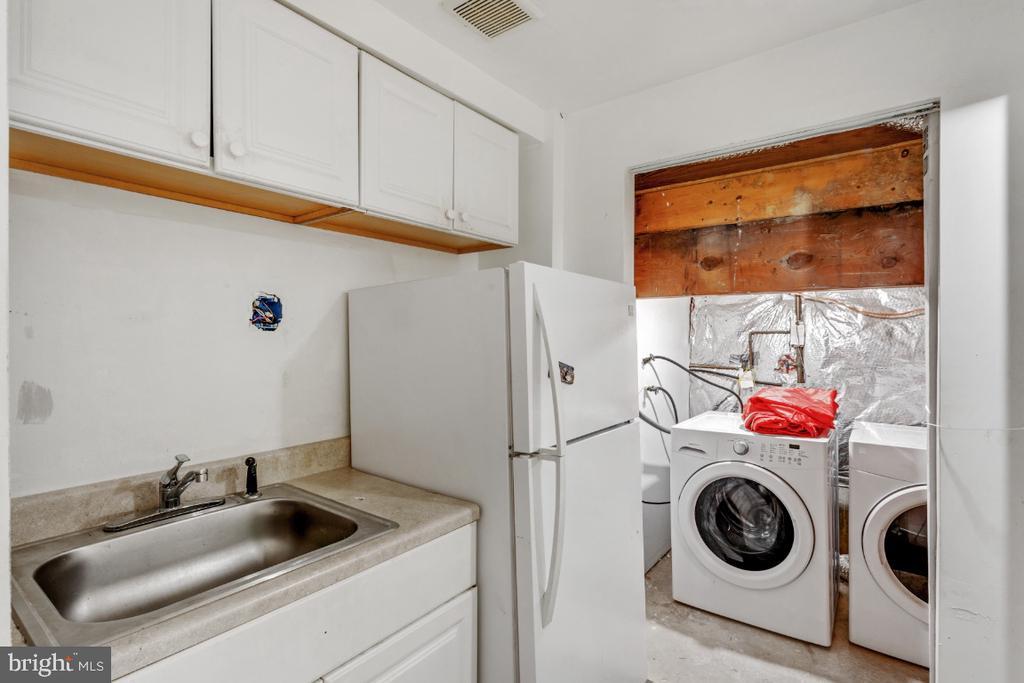 Basement Kitchenet - 14712 MCKNEW RD, BURTONSVILLE