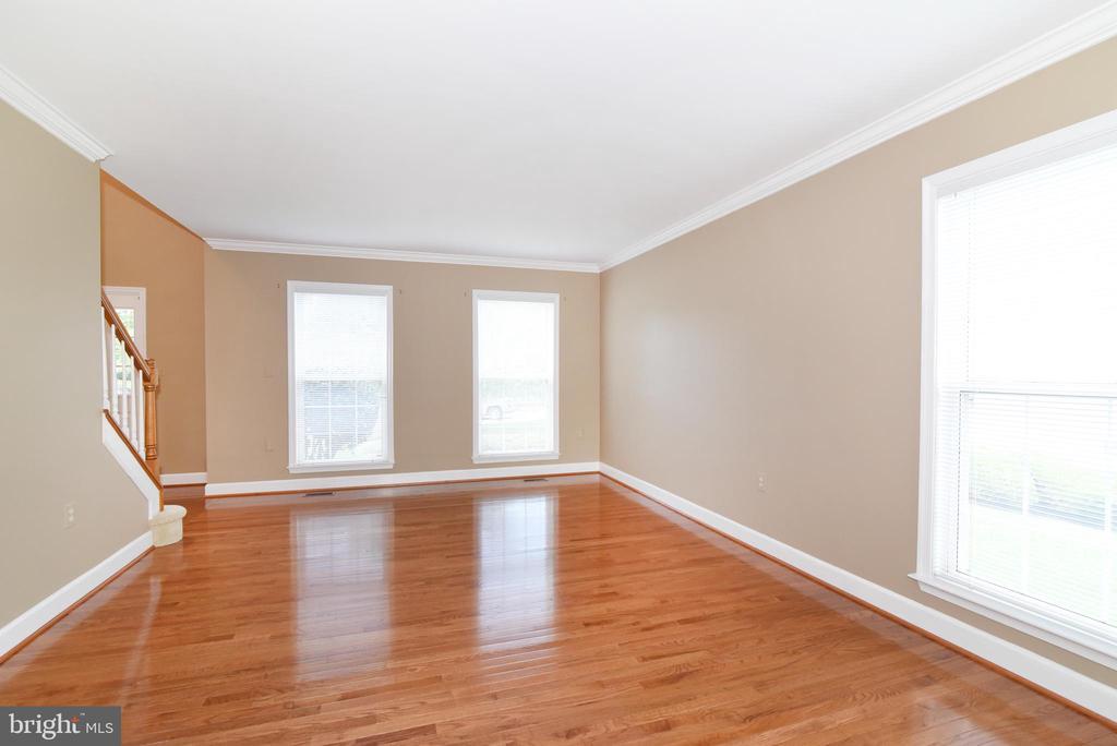 Living Room - 21320 COMUS CT, ASHBURN