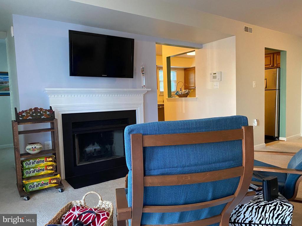 Fabulous fireplace and mantel. - 8800 TANGLEWOOD LN #NONE, MANASSAS
