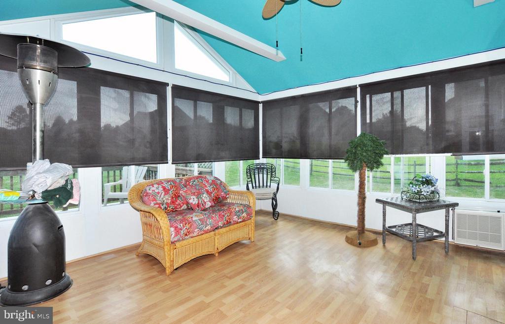 Rear Florida room addition of kitchen. - 15305 LIONS DEN RD, BURTONSVILLE