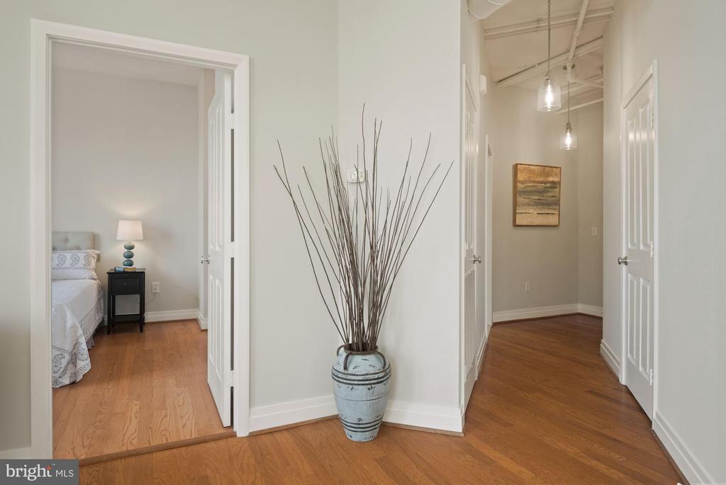 Entrance - 1205 N GARFIELD ST #408, ARLINGTON