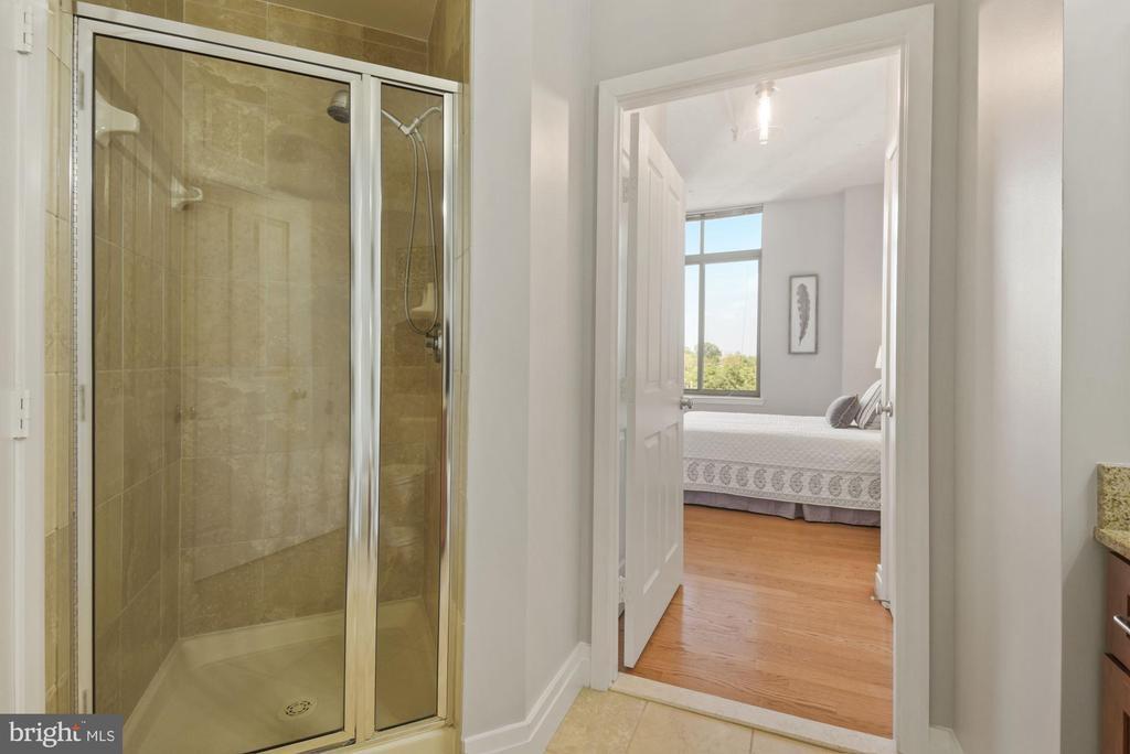 Second full bathroom - 1205 N GARFIELD ST #408, ARLINGTON