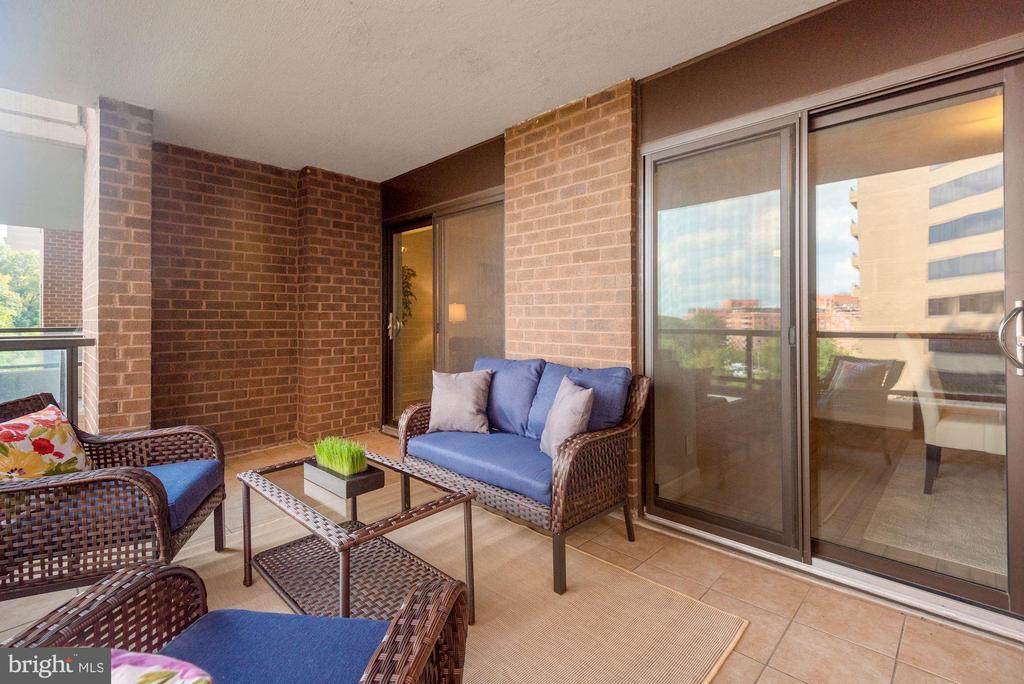 Large outdoor balcony! - 1600 N OAK ST #310, ARLINGTON