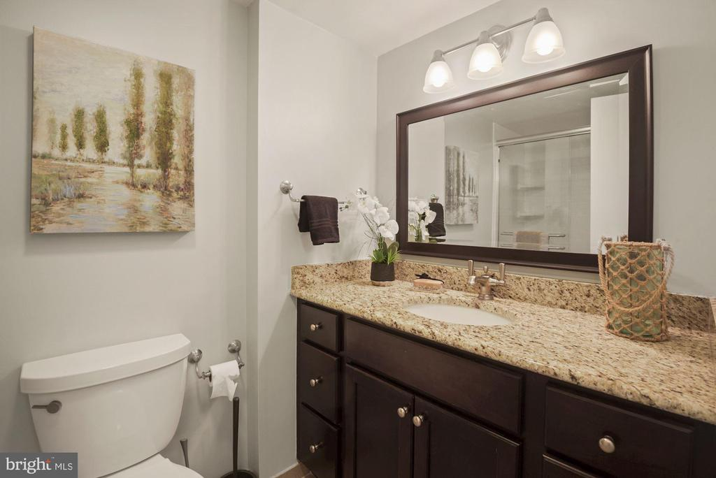 Renovated second bathroom - 1600 N OAK ST #310, ARLINGTON