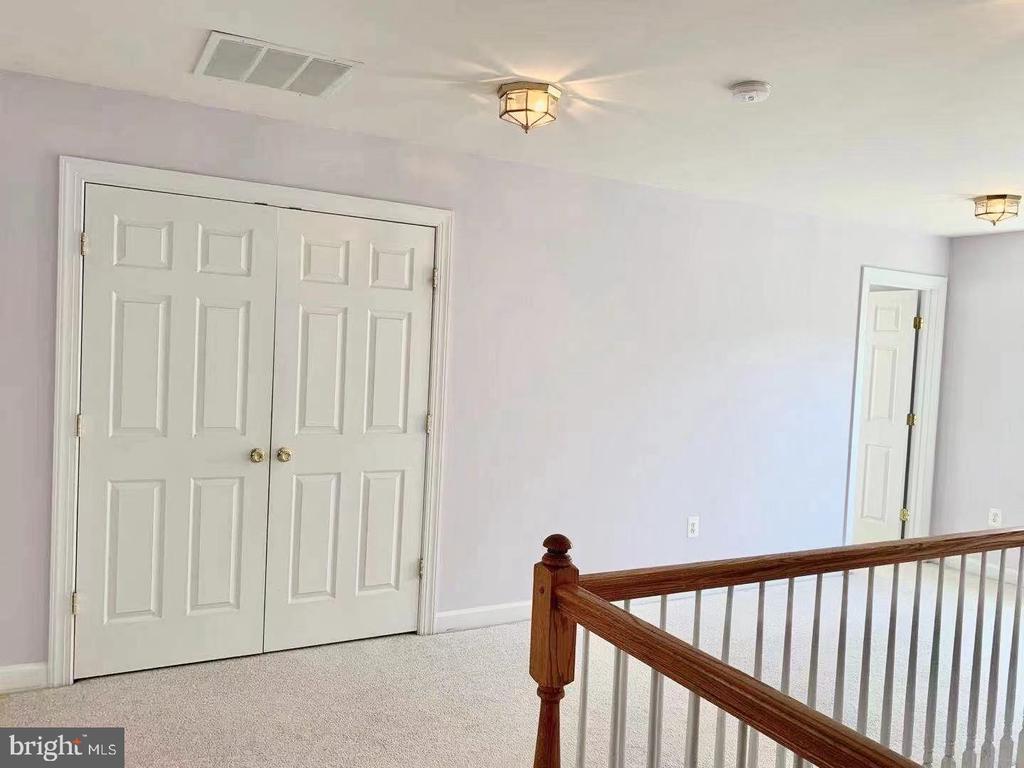 Third floor hall way - 18494 QUANTICO GATEWAY DR, TRIANGLE