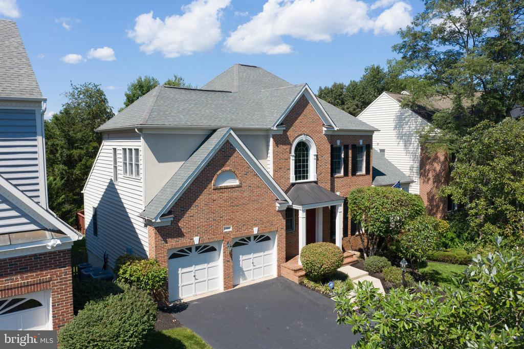 Welcome Home! Stunning Collins model in S. Riding! - 25891 MCKINZIE LN, CHANTILLY