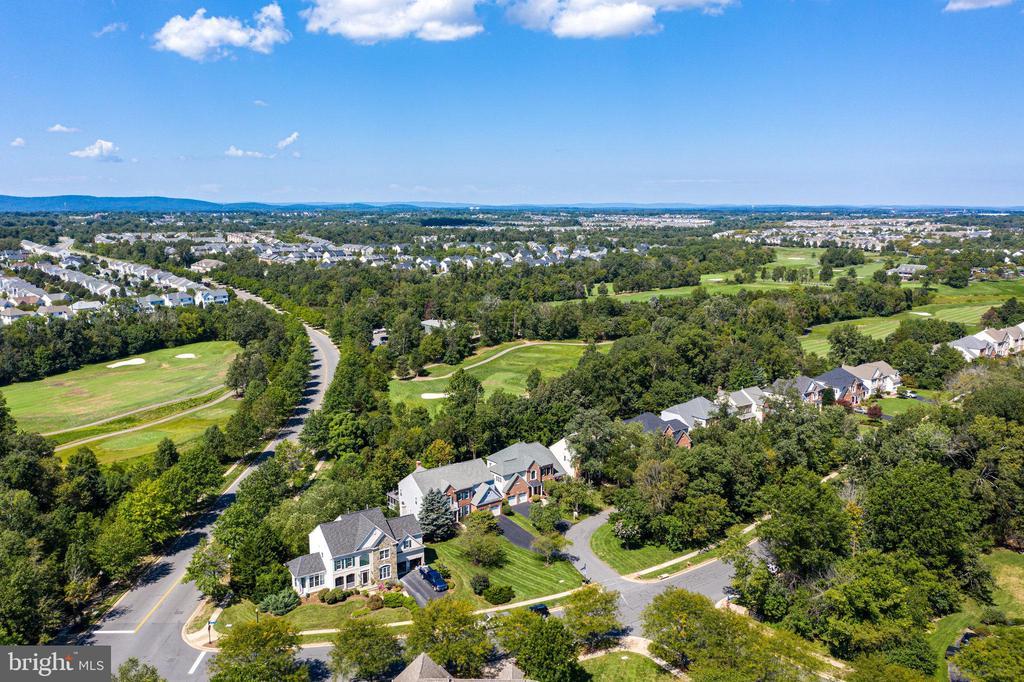 Golf Course Community! - 25891 MCKINZIE LN, CHANTILLY