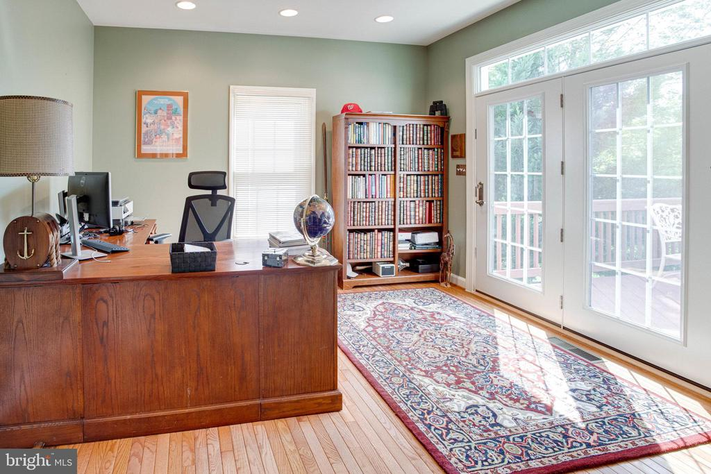 Main level Office has entrance to deck - 25891 MCKINZIE LN, CHANTILLY