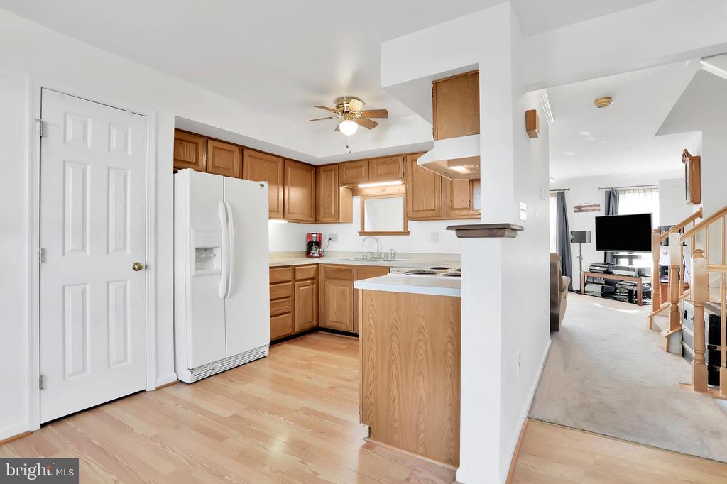 Kitchen - 9 SPRINGER CT, THURMONT