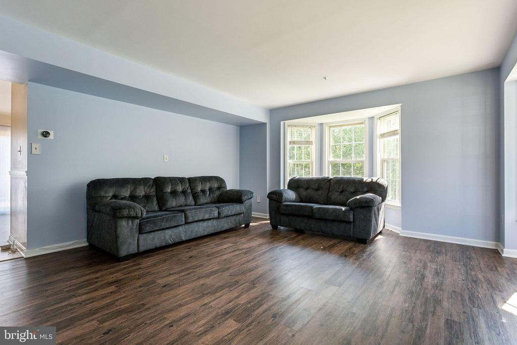 LVP Flooring - 100 MOSER CIR, THURMONT