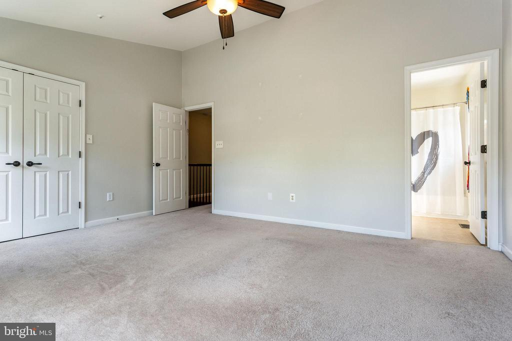 Large Master Closet and Attached Private Bath - 100 MOSER CIR, THURMONT
