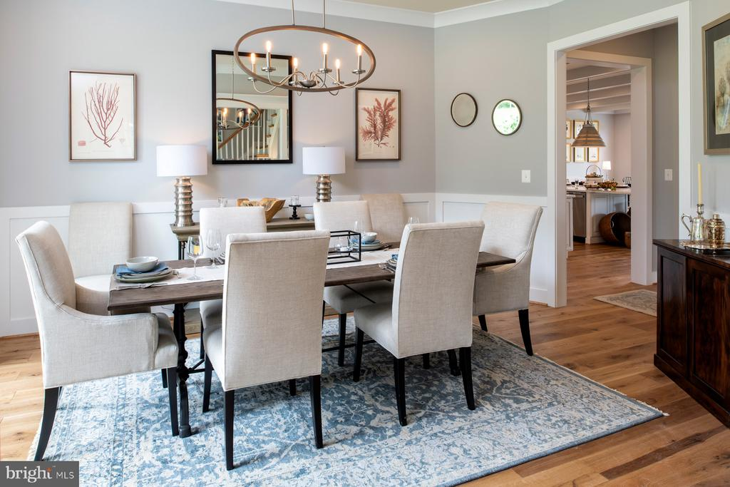 Dining room with opt. craftsman trim - 17711 AIRMONT RD, ROUND HILL