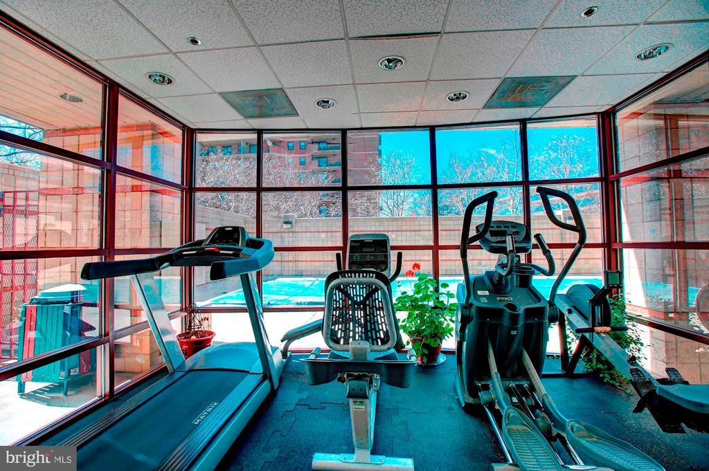 Fitness center - 2400 CLARENDON BLVD #505, ARLINGTON