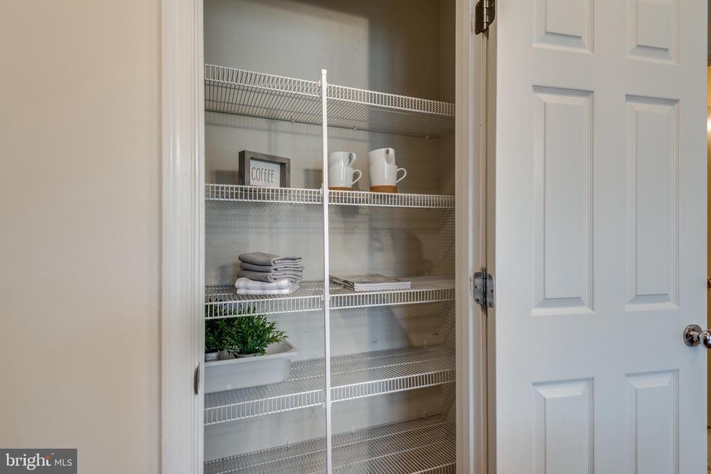 Large Pantry w/Wire Shelves - 42660 NEW DAWN TER, BRAMBLETON