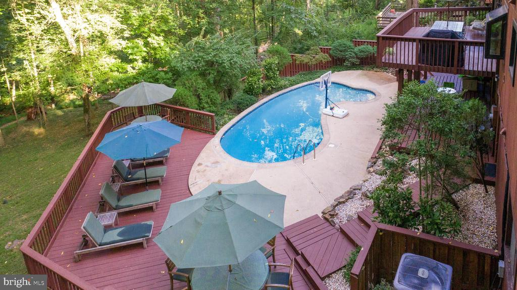 Aerial view of backyard pool and hardscape - 10722 CROSS SCHOOL RD, RESTON