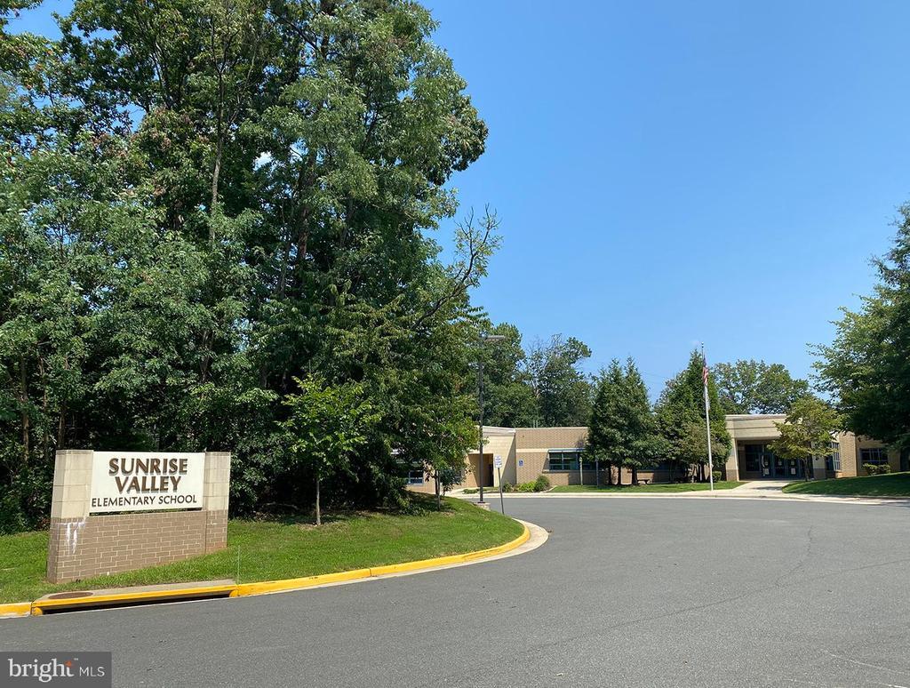 Sunrise Valley Elementary Schoo in neighborhood - 10722 CROSS SCHOOL RD, RESTON
