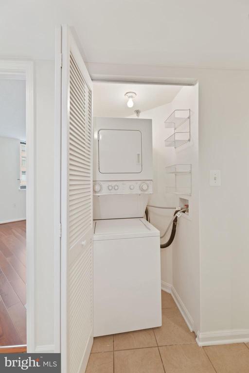 In-Home Washer & Dryer! - 1001 N RANDOLPH ST #604, ARLINGTON