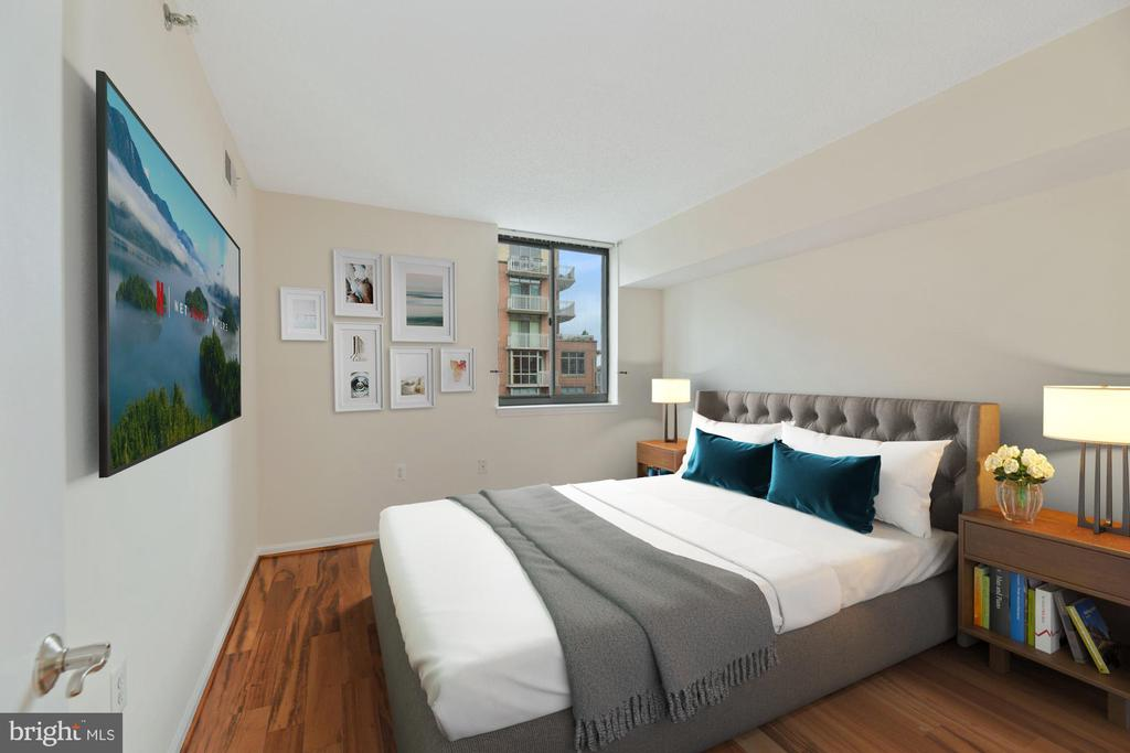 Bedroom - Yes, Your King Size Bed Will Fit! - 1001 N RANDOLPH ST #604, ARLINGTON