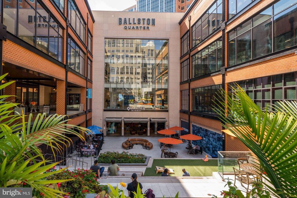 Walk to the Newly Re-Designed Ballston Quarter! - 1001 N RANDOLPH ST #604, ARLINGTON