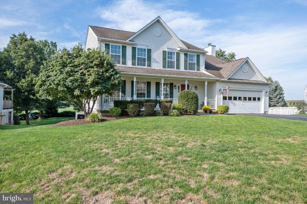 Within Walking Distance to Everything! - 513 EWELL CT, BERRYVILLE