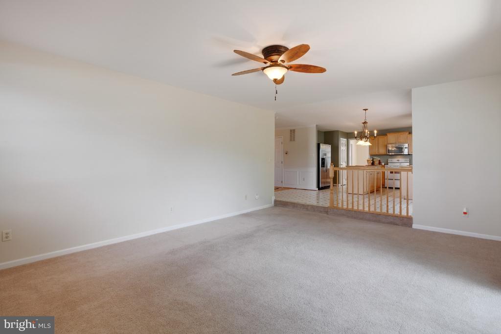 Offers Sliding Doors to the Huge Deck! - 513 EWELL CT, BERRYVILLE