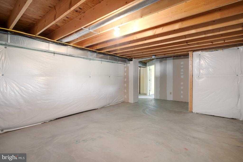 Large Room, Could Be Family Room #2. - 513 EWELL CT, BERRYVILLE