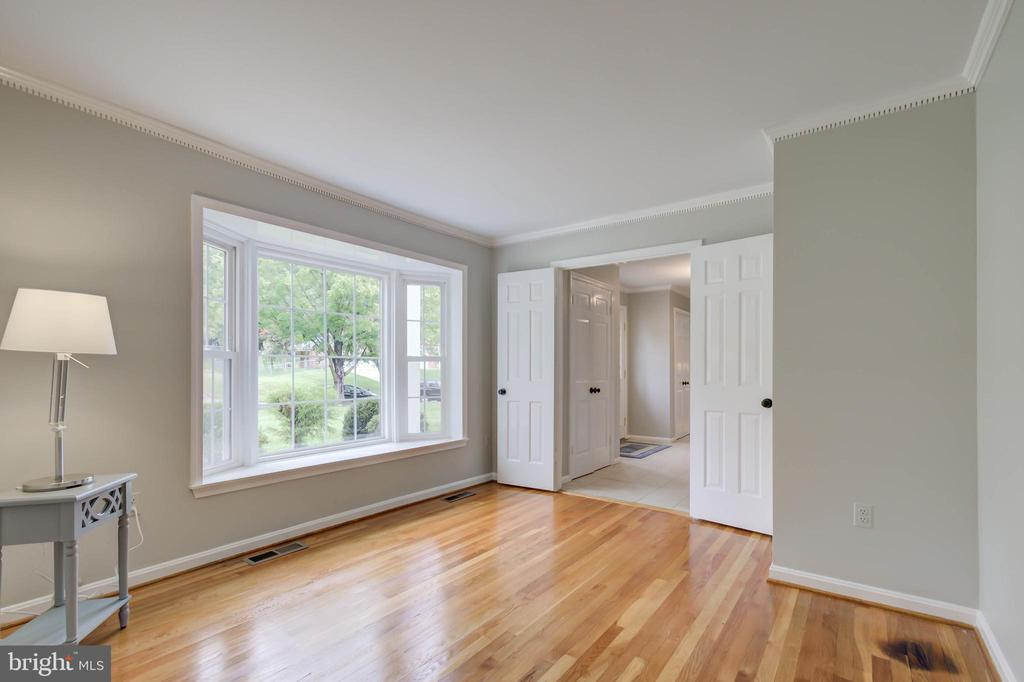 Main level office - 13832 TURNMORE RD, SILVER SPRING