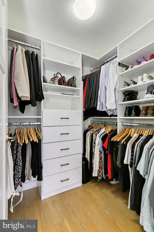 Custom closet - 1700 N CLARENDON BLVD #123, ARLINGTON