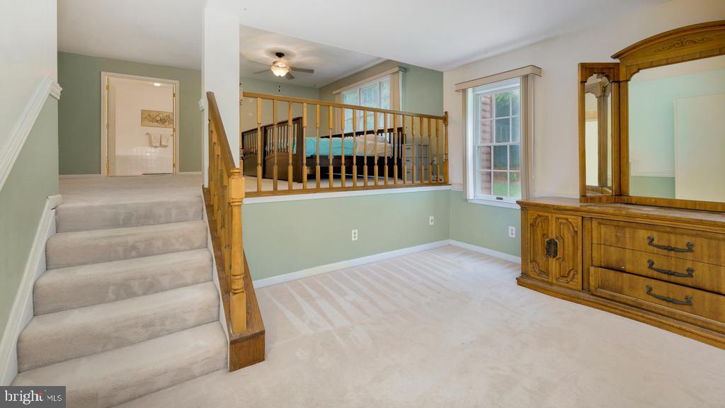Primary Bedroom Sitting Area - 2056 FARRAGUT DR, STAFFORD