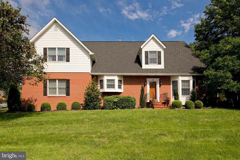 front view shows kitchen bay window - 1432 RAMSEUR LN, WINCHESTER