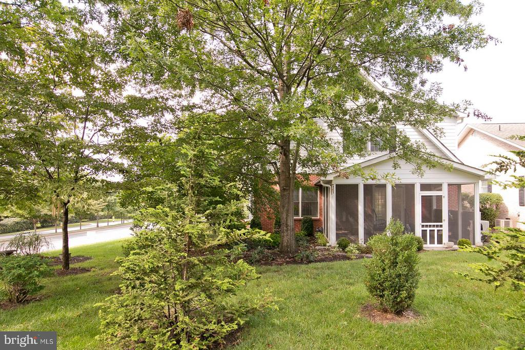 another view of screened porch - 1432 RAMSEUR LN, WINCHESTER