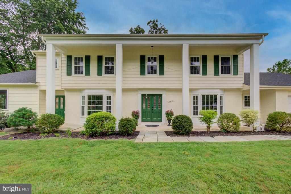 Gorgeous Stately Colonial!! - 13832 TURNMORE RD, SILVER SPRING