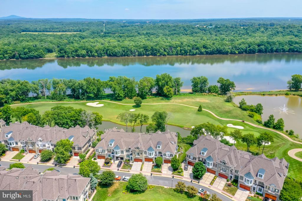 Priceless Potomac River and golf course views - 18362 FAIRWAY OAKS SQ, LEESBURG