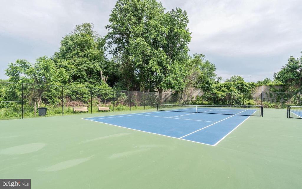 Tennis Courts - 10216 BUSHMAN DR #211, OAKTON