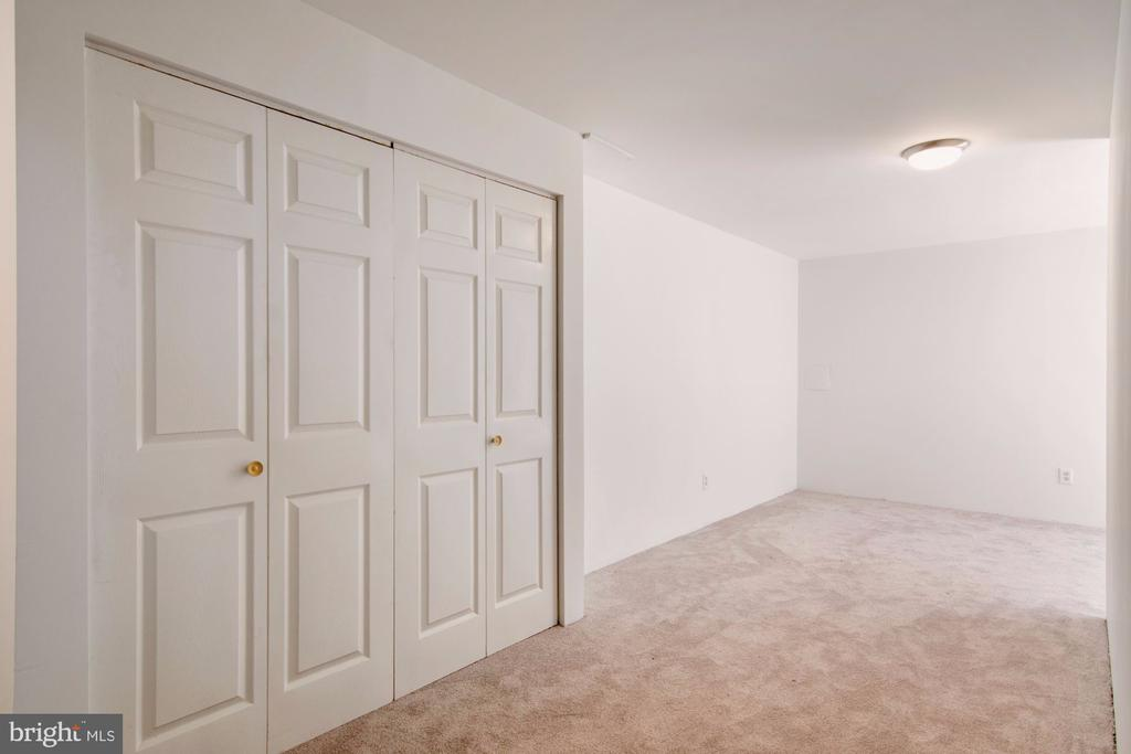 Finished basement with laundry - 205 SAIL CV, STAFFORD
