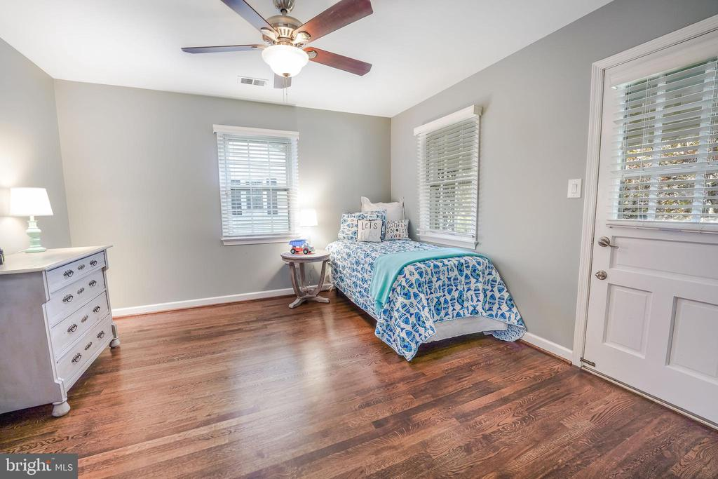 This room has access to the upper balcony - 4711 BRIAR PATCH LN, FAIRFAX