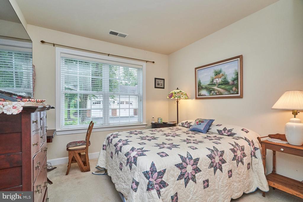 Secondary Bedroom - 15231 ROYAL CREST DR #104, HAYMARKET