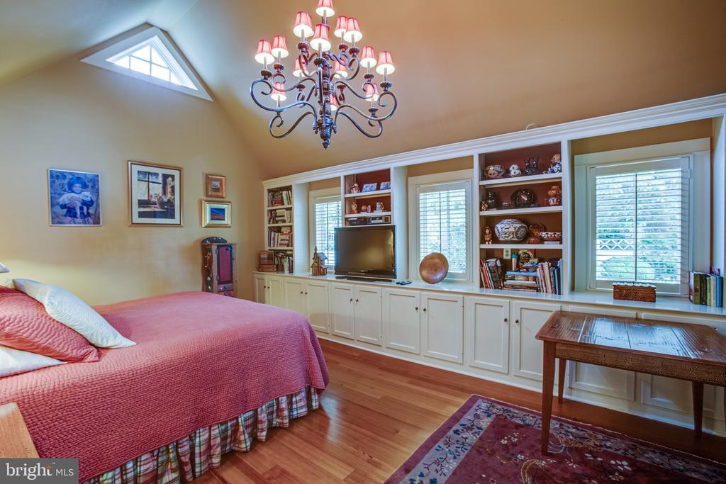 Primary Bedroom Suite in main level addition - 1501 CAROLINE ST, FREDERICKSBURG