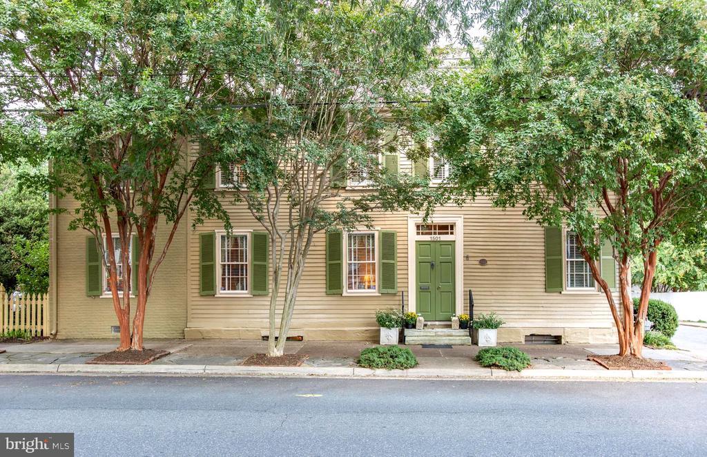 Welcome to the Wellford House, circa 1795 - 1501 CAROLINE ST, FREDERICKSBURG