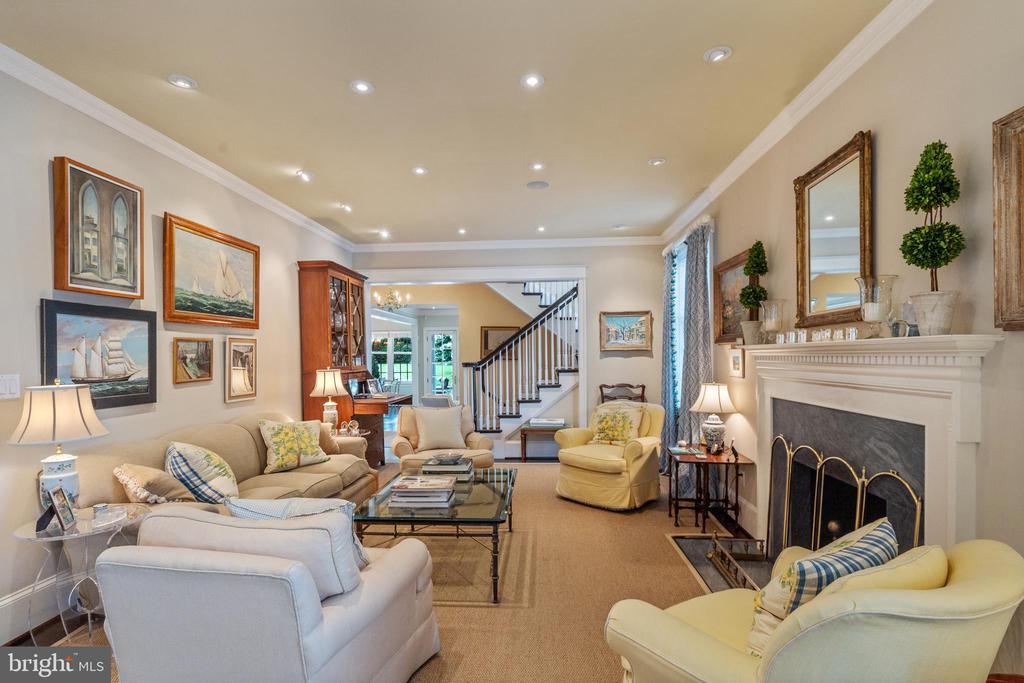 Living Room - 1644 AVON PL NW, WASHINGTON