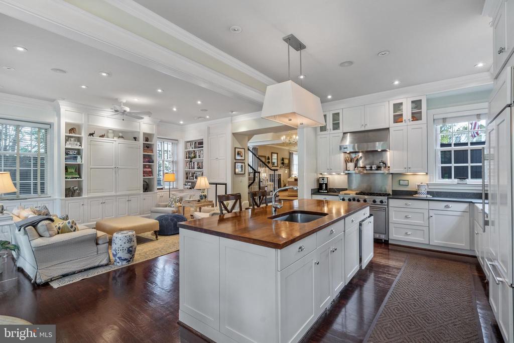 Open Kitchen/Family Room - 1644 AVON PL NW, WASHINGTON
