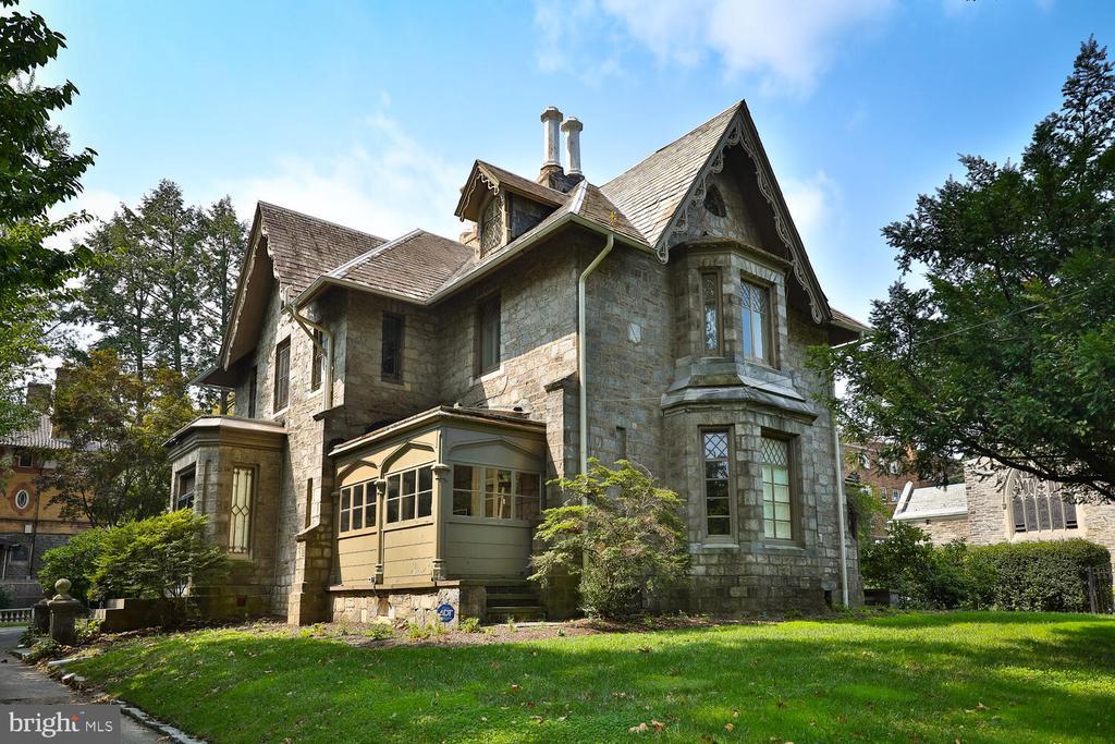 200 WALNUT LANE, PHILADELPHIA, Pennsylvania 19144, 5 Bedrooms Bedrooms, 17 Rooms Rooms,4 BathroomsBathrooms,Residential Sale,Residential Sale,WALNUT,PAPH2030312