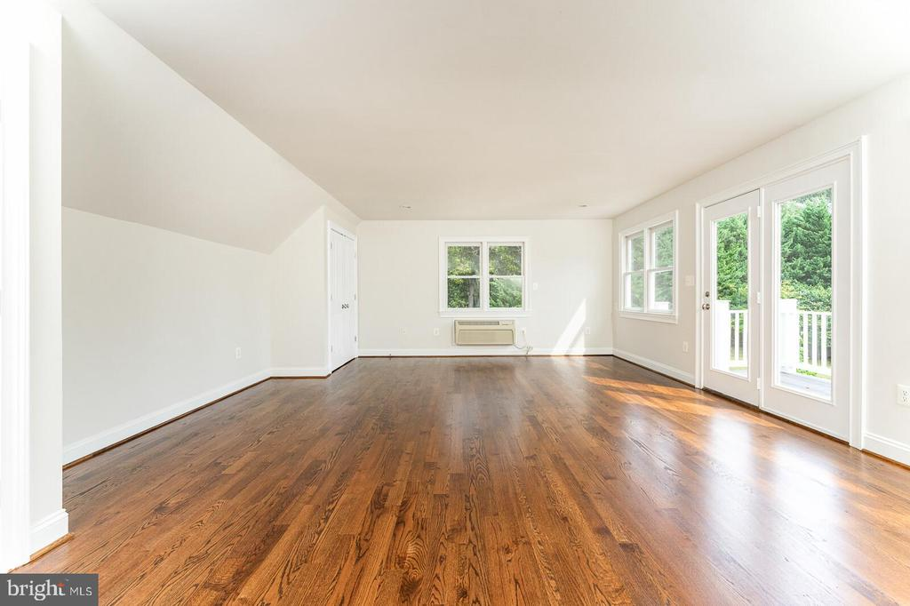 Bonus room/office off of master - 262 W NORTH AVE, WINCHESTER