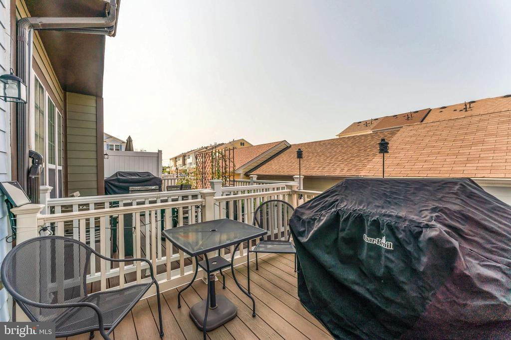 Deck off of kitchen area for easy access - 478 GLADE FERN TER SE, LEESBURG