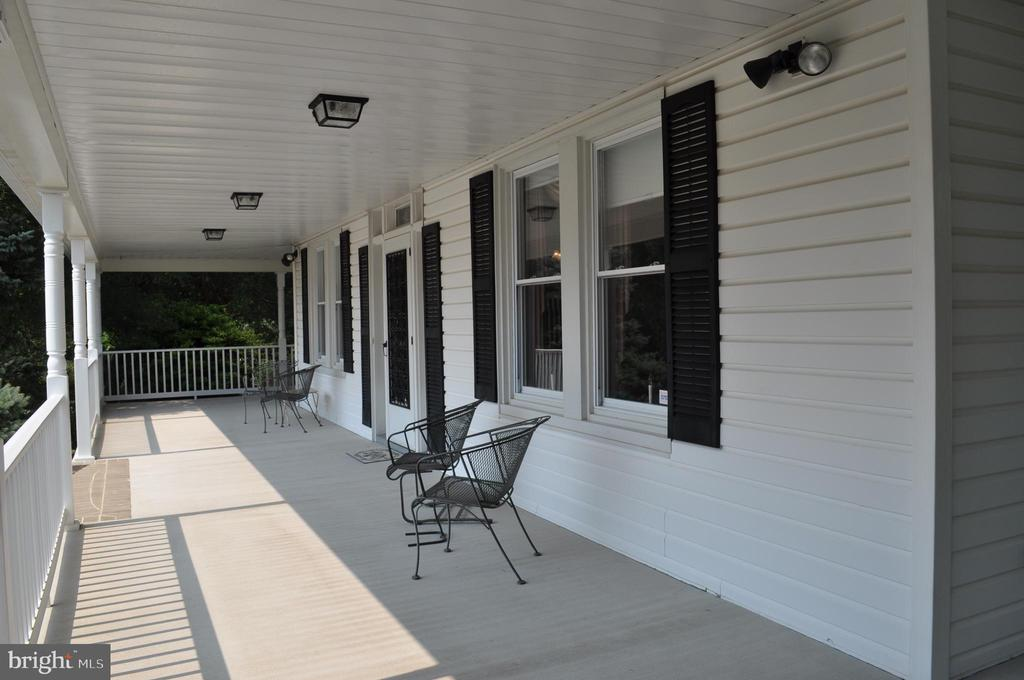 A sunny welcome since 1816 - 11690 FREDERICK RD, ELLICOTT CITY