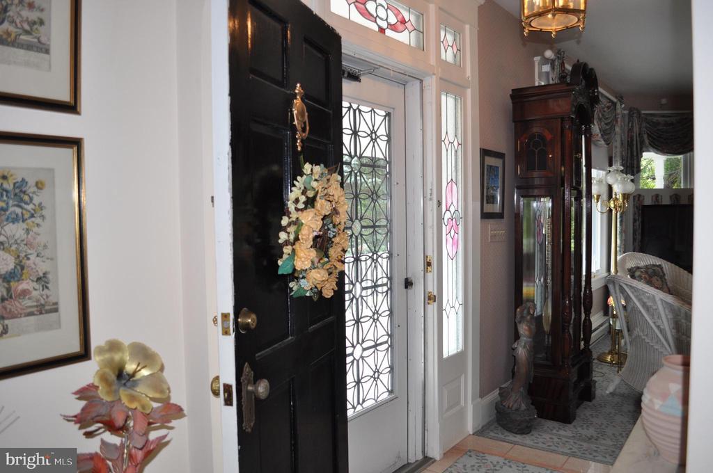 Back to the foyer - 11690 FREDERICK RD, ELLICOTT CITY